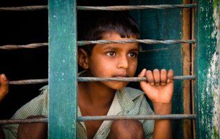 Irregularidades en las repatriaciones masivas de menores